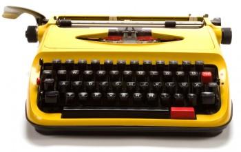 Gul skrivemaskine